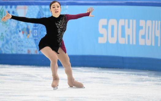 622087-la-su-coreenne-kim-yu-na-execute-un-programme-libre-du-patinage-artistique-au-palais-des-glaces-iceb